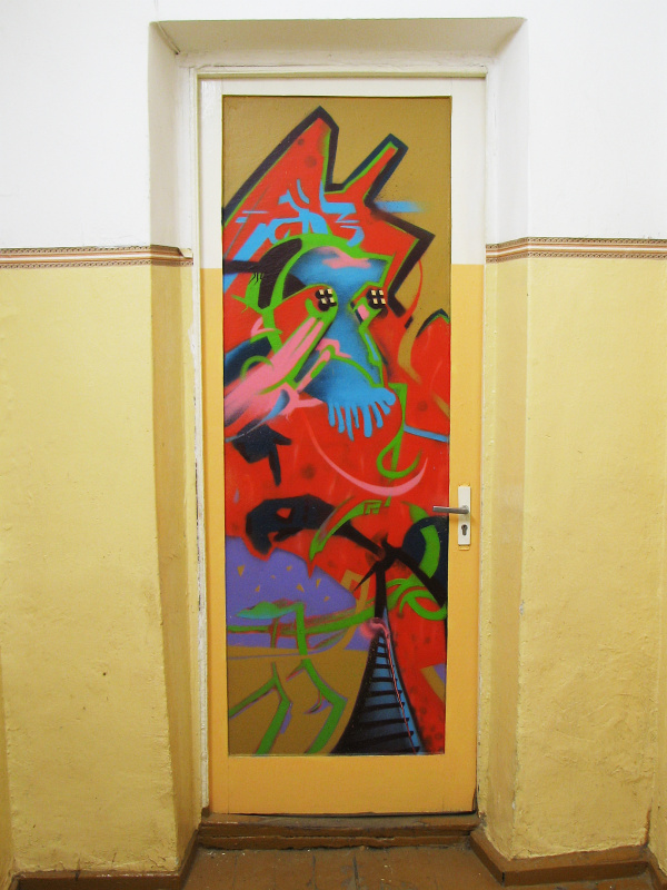 TA3, 2007 – Door